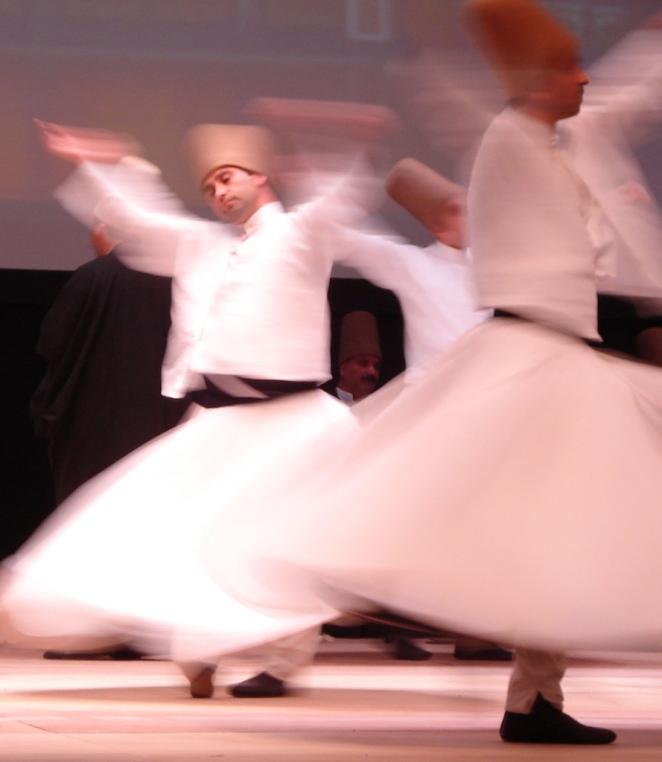 Whriling_dervishes,_Rumi_Fest_2007